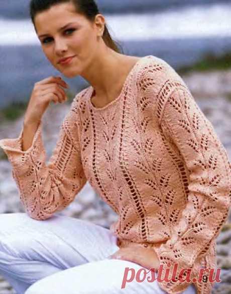 Нежный ажурный пуловер спицами   Ажурные веточки на кофточке нежно-персикового цвета спицами   источник