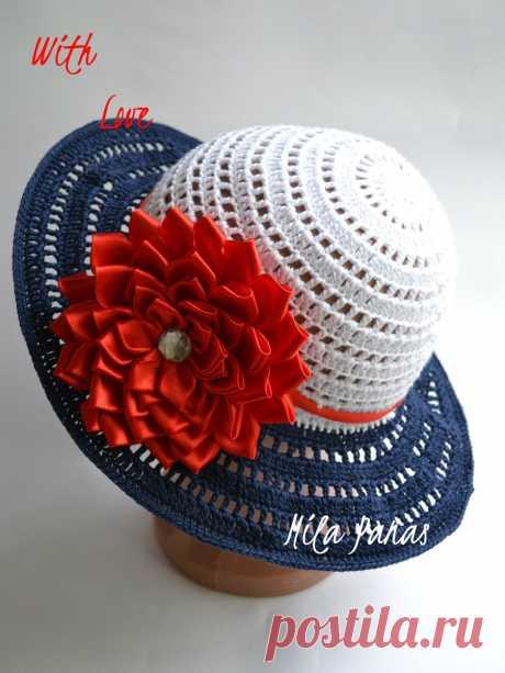 Летние шляпки для женщин (Вязание крючком) Вязаная ажурная шляпка является стильным и изящным дополнением летних женских нарядов. В таком привлекательном и романтичном аксессуаре женщина будет выглядеть загадочно и оригинально. Особенно изы…