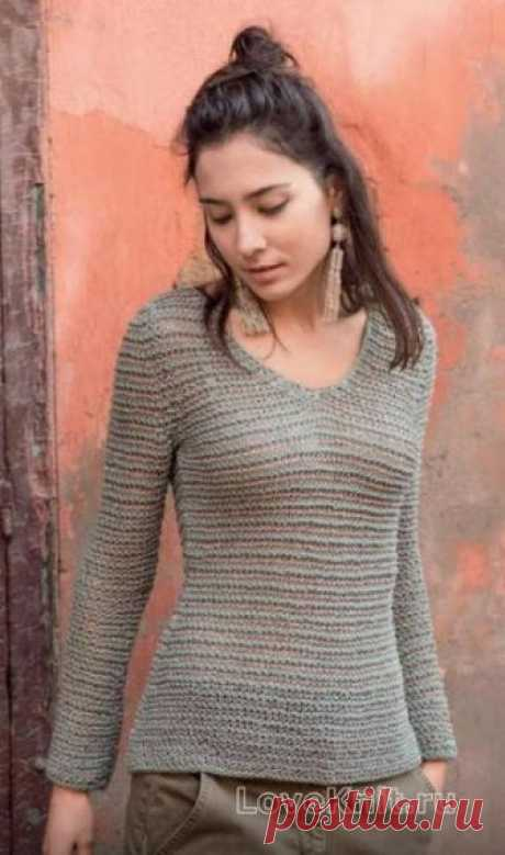 Приталенный пуловер с V - вырезом  ПРИТАЛЕННЫЙ ПОЛОСАТЫЙ ПУЛОВЕР С V-ВЫРЕЗОМ  Оттенок старинного серебра - так мы называем этот вариант серого. В нём вы будете особенно органичны на фоне осенней природы.Размеры:34/36 (38/40) 42/44 О…