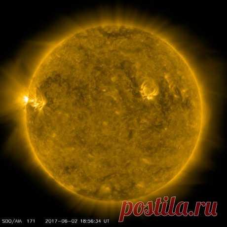 Сегодня на Солнце произошло 4 вспышки класса С  / Популярная астрономия