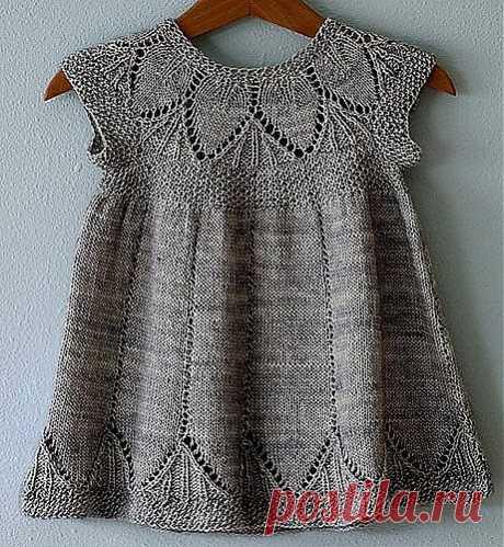 Вязание: красивое платье для девочки крючком и спицами.