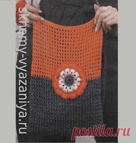 Двухцветная сумка-сетка с цветком. Схема вязания крючком и описание.