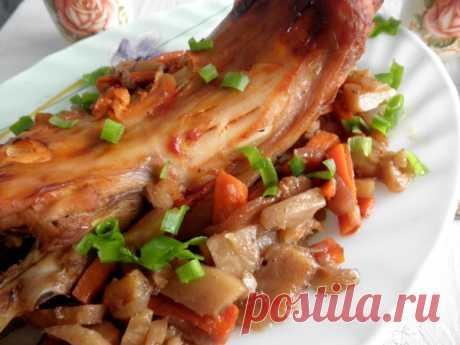 Кролик, тушенный с овощами, в духовке — Sloosh – кулинарные рецепты