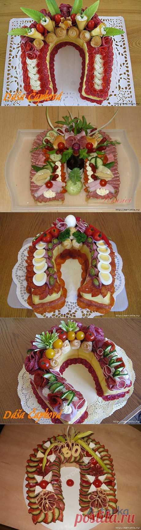 Новогодний СОЛЕНЫЙ закусочный торт. ПОДКОВА.