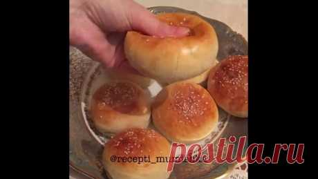Очень вкусные, мягкие, воздушные булочки. Да и готовятся легко и просто