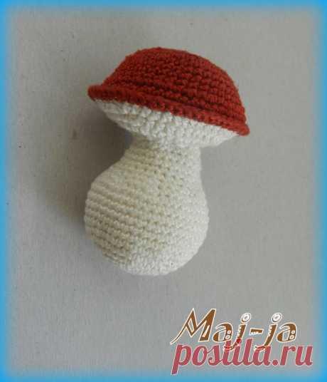 Вязаный грибочек-боровичок