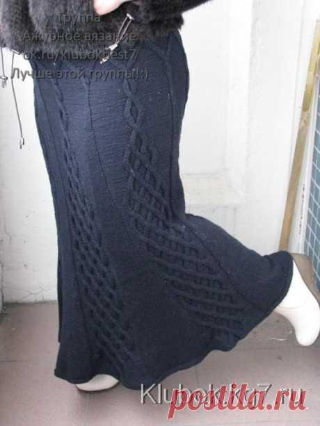 Юбка спицами с вертикальными аранами - | Клубок