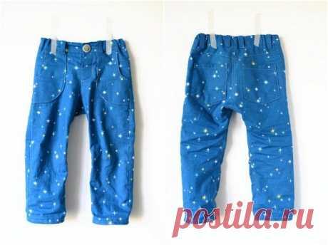 Выкройка детских брюк на резинке для мальчика. Мальчикам всегда будут удобны брюки из нетолстой ткани. Сделать их можно самостоятельно