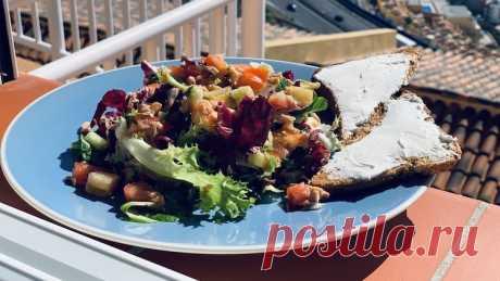 Салат с тунцом и тост с сыром - пп-рецепт с расчетом КБЖУ Салат с тунцом и тост с сыром Филадельфия это отличный ПП Обед, Ужин, рецепт которого Вы можете найти в категории Рыба, Салаты. Инвентарь для приготовления: Плита. КБЖУ одной порции готового блюда: Ккал . г Белка, . г Жира, г Углеводов.