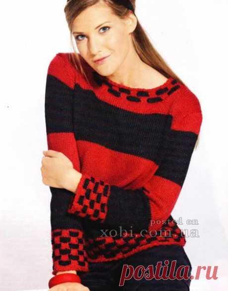 El pulóver tejido con las bandas anchas
