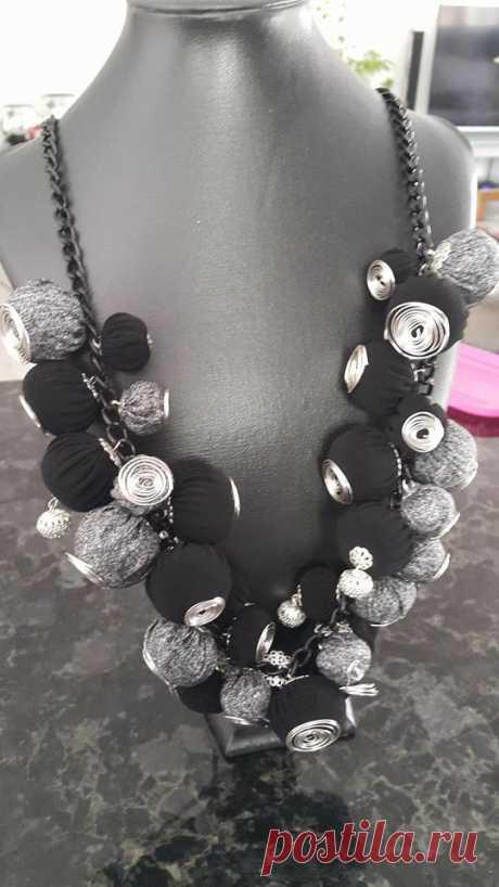 ожерелье-гирлянда. очень легкая по весу
