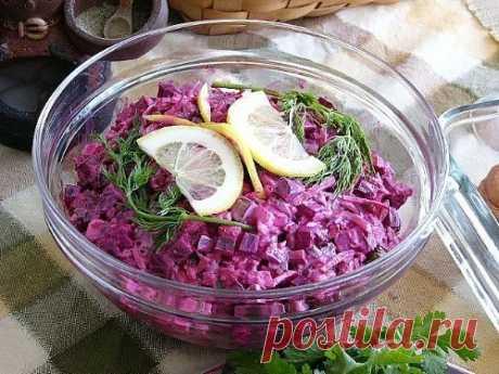 Свекольный салат с маринованными огурцами — Мегаздоров