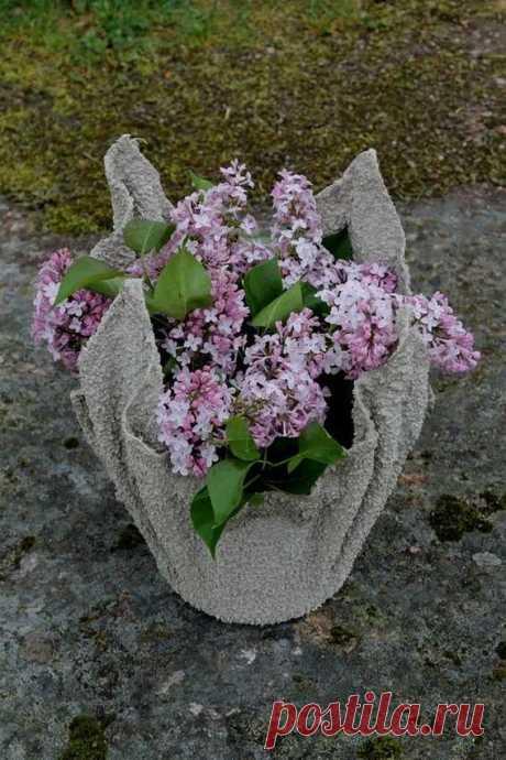 Необычные дачные вазы из цемента и полотенец — ни у кого из соседей таких еще нет! — Дом и Сад