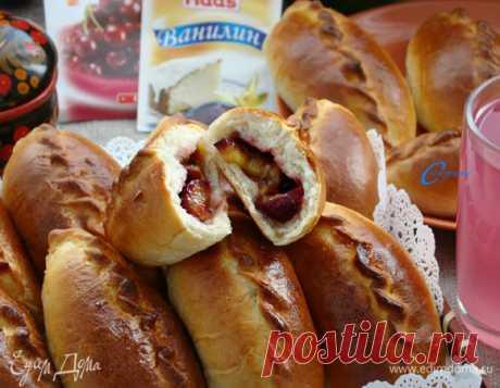 Пирожки пуховые со сливовой начинкой, пошаговый рецепт на 2921 ккал, фото, ингредиенты - НАТАЛИ