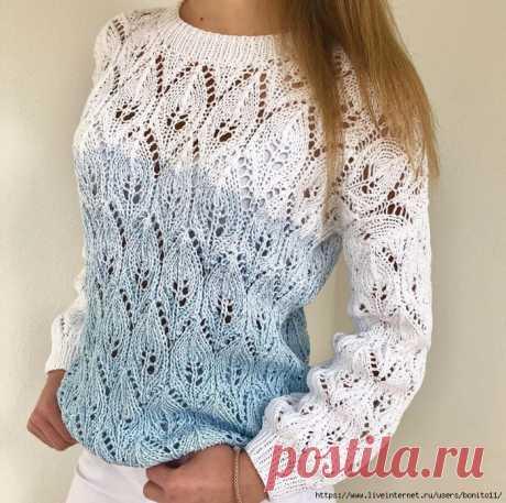 Ажурный пуловер спицами с градиентом