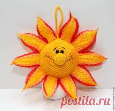 Вяжем крючком интерьерное украшение «Солнышко»: мастер-класс для начинающих – Ярмарка Мастеров