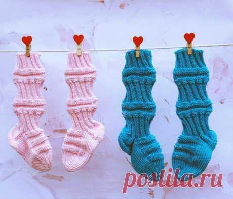 Традиционные вязаные финские носочки для детей Они напоминают и носочки, и пинетки, и гольфы, и даже маленькие сапожки.  Удобные и очень оригинальные!