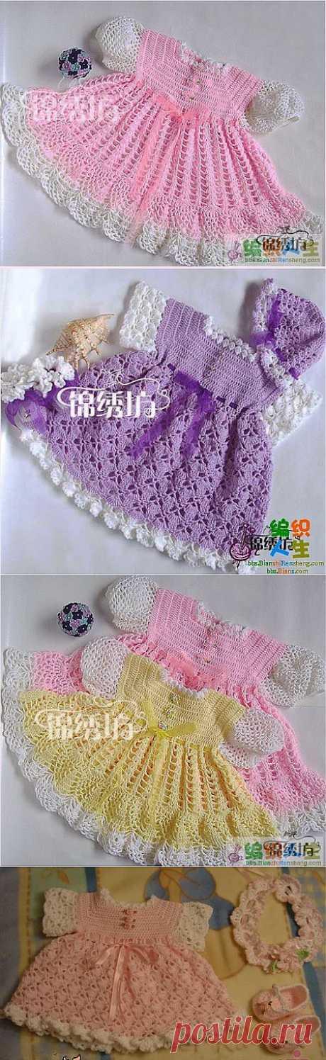 Мастер-класс подробный для вязания таких платьев для малышек.
