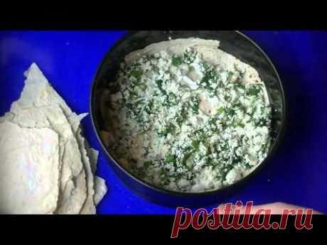 Простой слоеный пирог с творогом и зеленью. В этом рецепте важна сама идея)))) А начинка может быть любой на ваш вкус)  YouTube