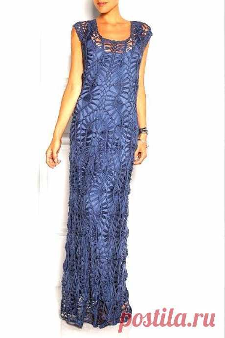 Платье связаное на вилке.