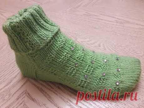 Носки тапочки на двух спицах без швов