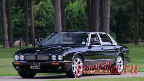 2000 Jaguar XJR | T114 / Даллас 2017 / аукционы Mecum 2000 Jaguar XJR представлен как Lot T114 в Далласе, Техас