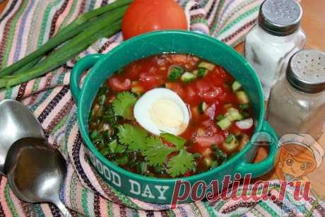 Томатная окрошка. Интересный рецепт окрошки на томатном соусе Томатная окрошка - яркое нарядное летнее блюдо без мяса. Овощи и зелень наполнят организм витаминами, а яйцо придаст сытности. Пошаговый рецепт с фото.