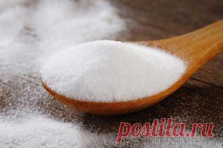 Сода натощак: польза и вред У каждого из нас дома есть чудодейственное средство, которое легко решает большинство бытовых проблем. Это пищевая сода или гидрокарбонат натрия. И лишь немногие знают, что сода натощак способна значи...