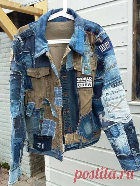 Куртка из кусков джинсовок.