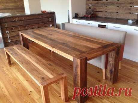 Оригинальный деревянный столик из старых досок СВОИМИ РУКАМИ handmade wooden table from recycling - YouTube