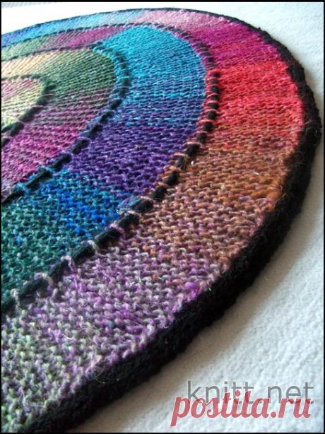 Круглый коврик, связанный по кругу на спицах из 10 петель. / knitt.net
