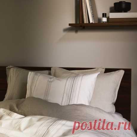 Самый простой способ создать в помещении уют — использовать много текстильных изделий. Выбирайте подушки, покрывала и ковры спокойных оттенков. 💫 #HMHome