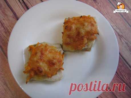 Минтай запеченный с сыром и морковью - Простые рецепты Овкусе.ру