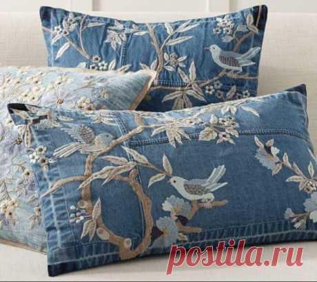 Прекрасная вышивка на джинсовых подушках