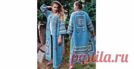 """Вязаное пальто «бабушкиным квадратом» - Lilia Vignan Пальто украшает комбинация разных по величине """"бабушкиных квадратов"""", цветных полос, асимметрия в расположении рисунка."""