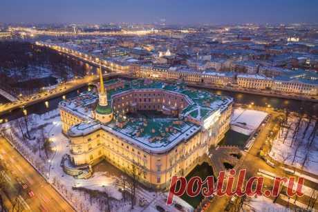 Михайловский замок, Санкт-Петербург. Автор фото — Станислав Забурдаев: nat-geo.ru/photo/user/294453/