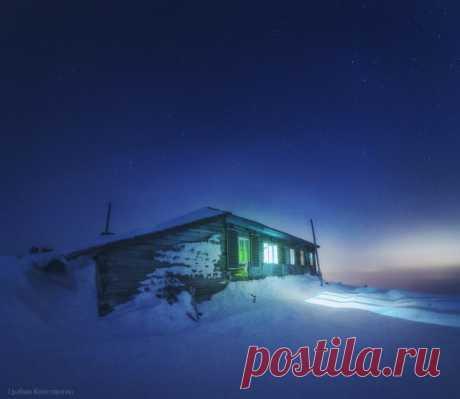 «Приют». Национальный парк Таганай. Автор фото — Константин Цыбин: nat-geo.ru/photo/user/296008/ Спокойной ночи!