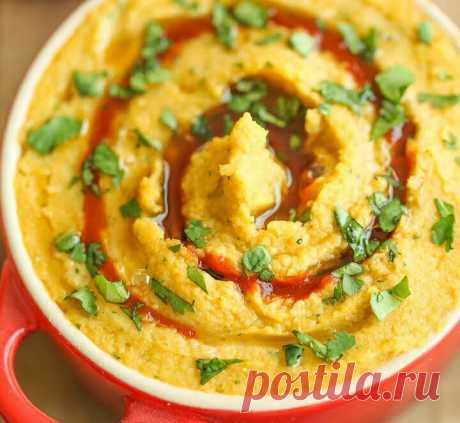 Хумус с соусом шрирача