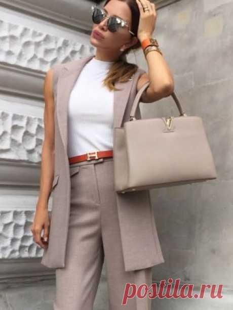 Moda de oficina de 2018-2019: las cebollas a la moda de trabajo, el estilo de trabajo de la ropa, la foto