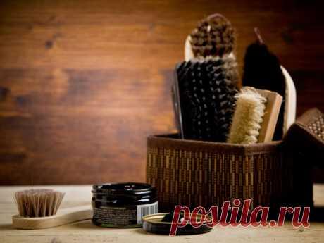Как обновить кожаную обувь в домашних условиях: практические советы Во время продолжительной носки кожаная обувь теряет презентабельный вид. Восстановить и обновить изделия из натуральной кожи можно в домашних условиях.