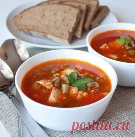 Томатный суп с курицей и зеленой фасолью  Ингредиенты на 6 порций:  2 куриных филе около 200 г каждое Показать полностью…