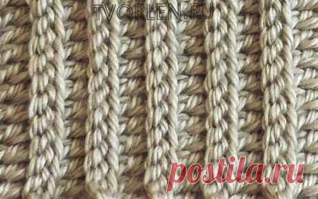 Вяжем крючком простой узор с полосками (имитация резинки) Вариант вязания резинки – это узор полосками крючком. Вязать такой узор просто, внешний вид у него замечательный, следовательно, думаю, многим из Вас он понравится. Так как, для того, чтобы связать узор полосками крючком нужно всего лишь знать принцип вязания столбиков с накидом и обычных...