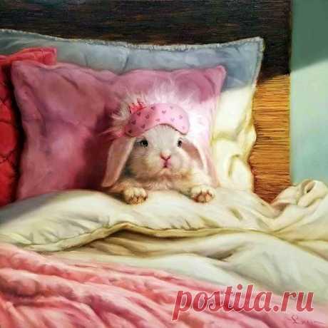 Хочется просто лежать целый день, и чтоб время от времени меня укрывали одеялом, обнимали и приносили чай.