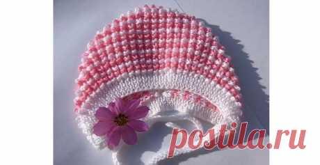 Ну, очень красивый чепчик для новорожденного спицами Узнайте, как связать нарядный шапочку чепчик для новорожденного очень простым узором на спицах. Подробная схема с описанием