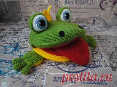 Лягушка для логопеда: вяжем развивающую игрушку На бескрайних просторах интернета долго искала игрушку для занятий с детьми по развитию речи. Все время что-то не устраивало: выглядывание синтепона, глазки и лапки не такие, какими бы мне хотелось…