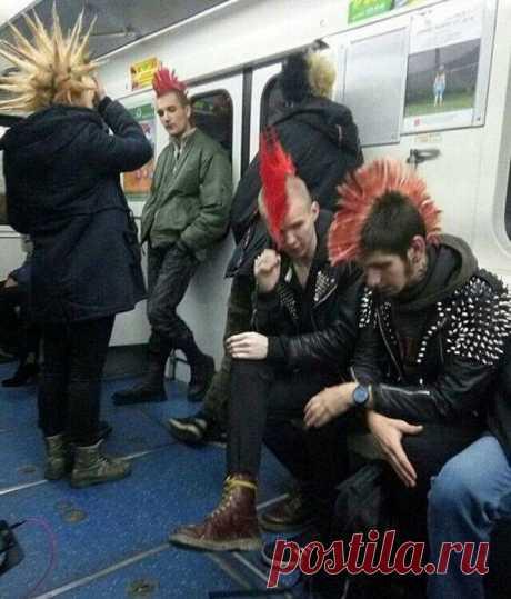 Чудаки в метро - 18 фото - Нет скуки - Сайт хорошего настроения