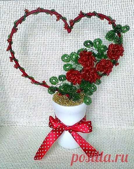 Сделала подарок внучке с розочками от Юлии Рамусь.
