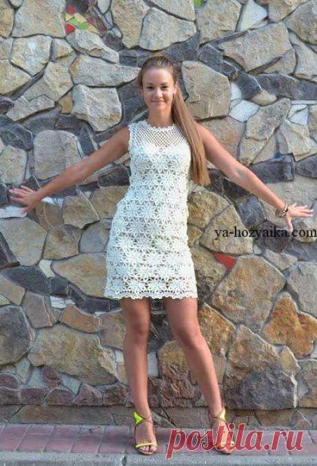 Белое платье из мотивов крючком. Короткое летнее платье крючком схемы