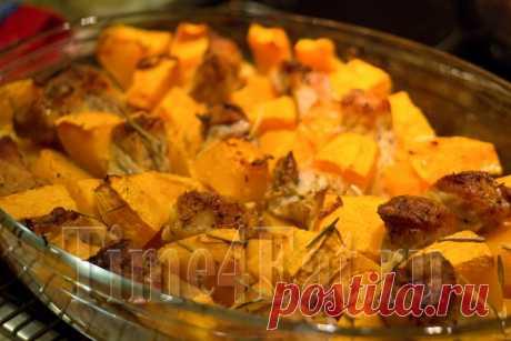 Это блюдо в котором не требуется строго соблюдать пропорции тыквы и мяса, всё зависит от Ваших личных предпочтений, при любом раскладе получится очень сочное и ароматное блюдо. Рецепт приготовления свинины с тыквой в духовке Ингредиенты 1 кг. свинины, 1 кг. тыквы (без кожуры и семечек), 1 большая луковица, 3-4 ст.л. майонеза, 1 ч.л. сладкой паприки,…