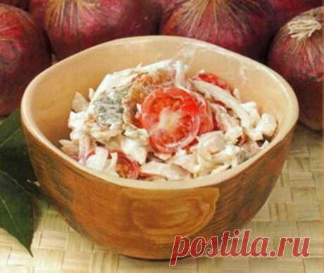 Куриный салат с омлетом